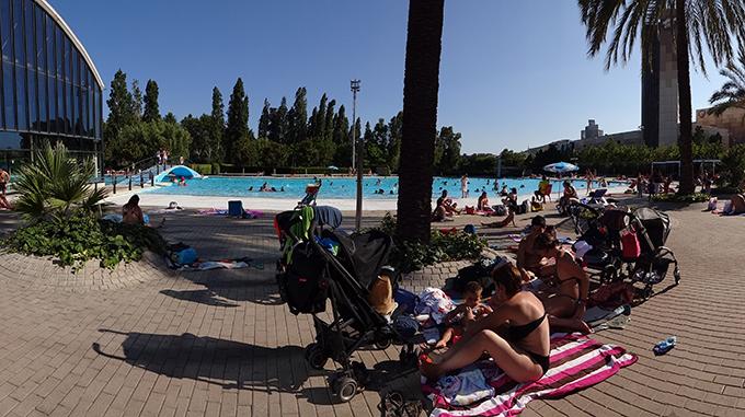 El llac de can drag una piscina que no te la acabas for Cuando abren las piscinas