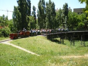 Los mejores parques con trenes para ir con ni os for Parques ninos barcelona