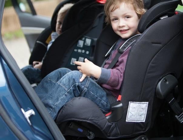 Noari kids especialistas en sillas de coche a contramarcha for Sillas de coche a contramarcha