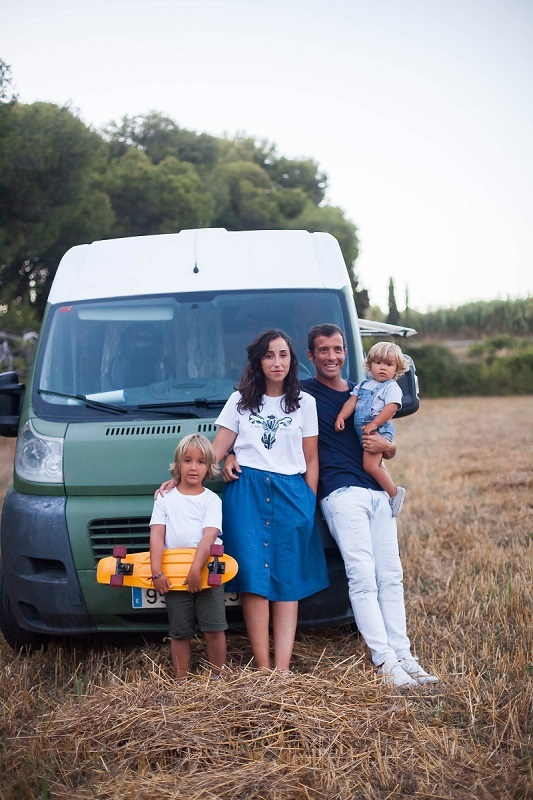 wood-van-family