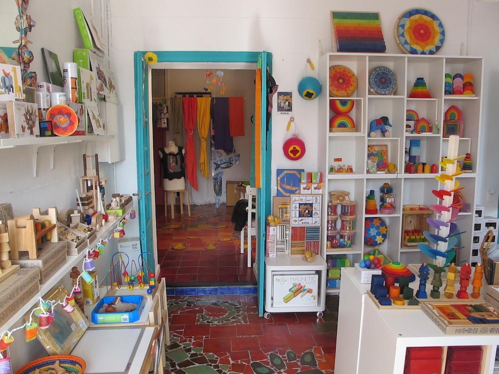 A pali porta beb s y juguetes de madera en sarri - Estantes para juguetes ...