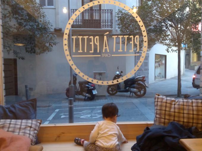 Merendar con niños en Barcelona - Petit a Petit Cafe