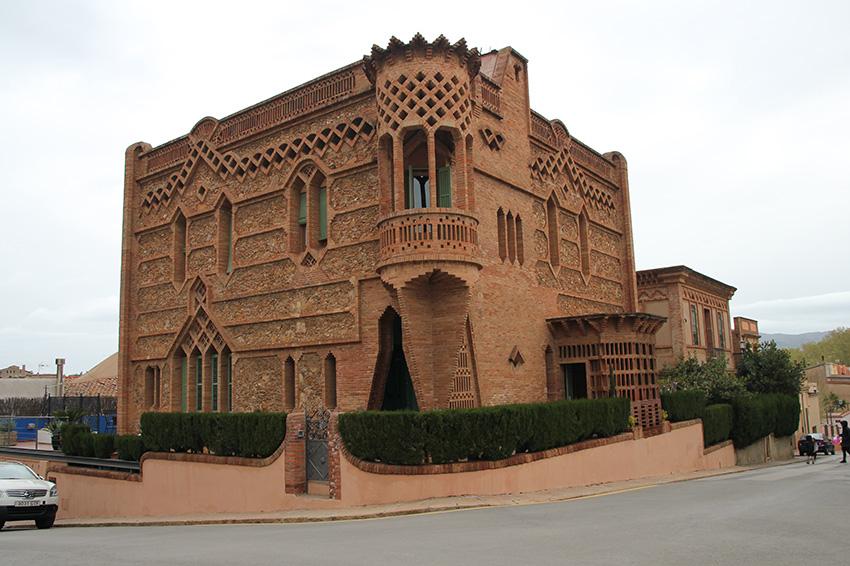 Edificio de La Colonia Güell