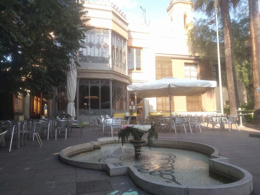 Jardín del Centre Cívic Can Deu en Les Corts, Barcelona