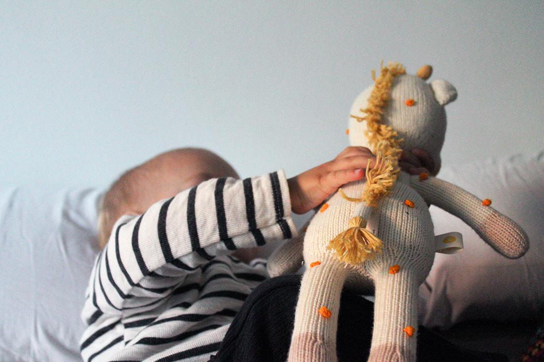 knit a buddy approved mammaproof jugando