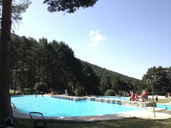 Ecoparque amazonia piscina y aventuras en la sierra de madrid for Piscinas en la sierra de madrid