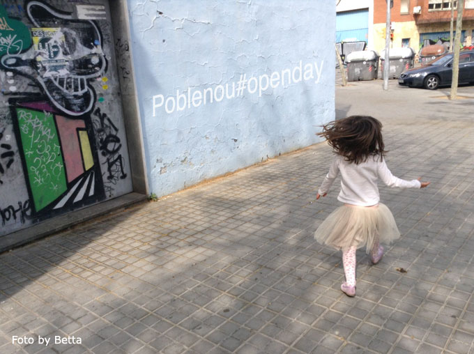 niña en poblenou