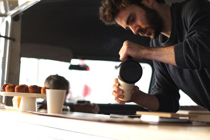 skie-coffee-espai-88-barista