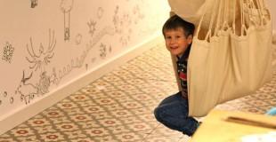 Leo en la hamaca de la mamma house