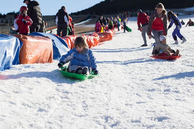 trineo port del compte con ninos