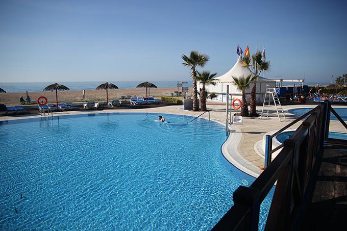 1-hotelpiscina
