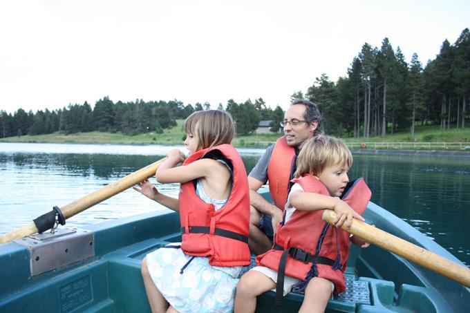 Molina lago en barca mammaproof