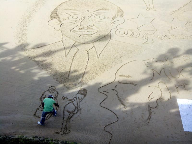 Figuras arena playa de la concha1