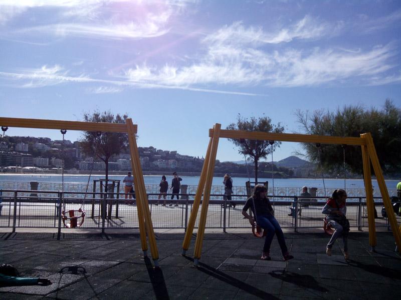 Paseo_Concha_parque columpios