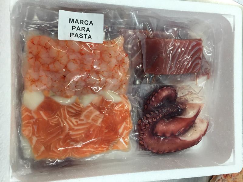caja de pescado a casa