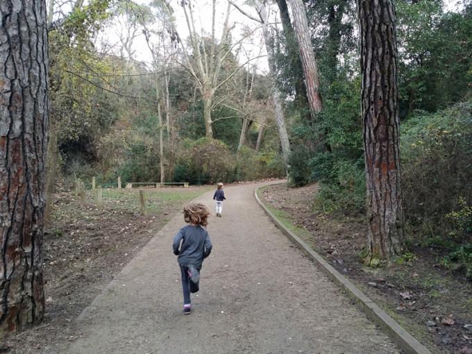 Excursiones con niños cerca de Barcelona - collserola con ninos