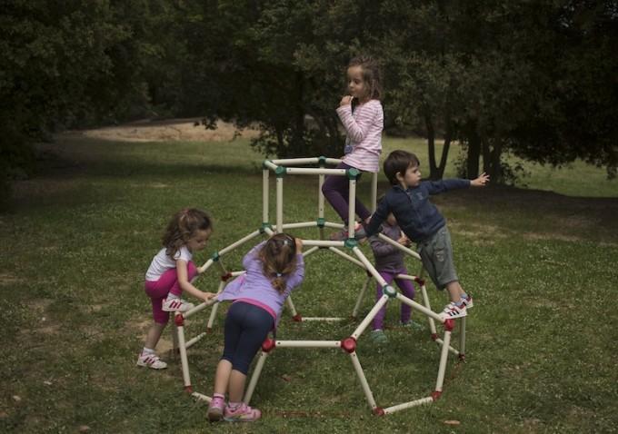 creativo Aire Lavanderia Al Libre : Lil? Monkey, un centro de actividades para jugar al aire libre ideal ...